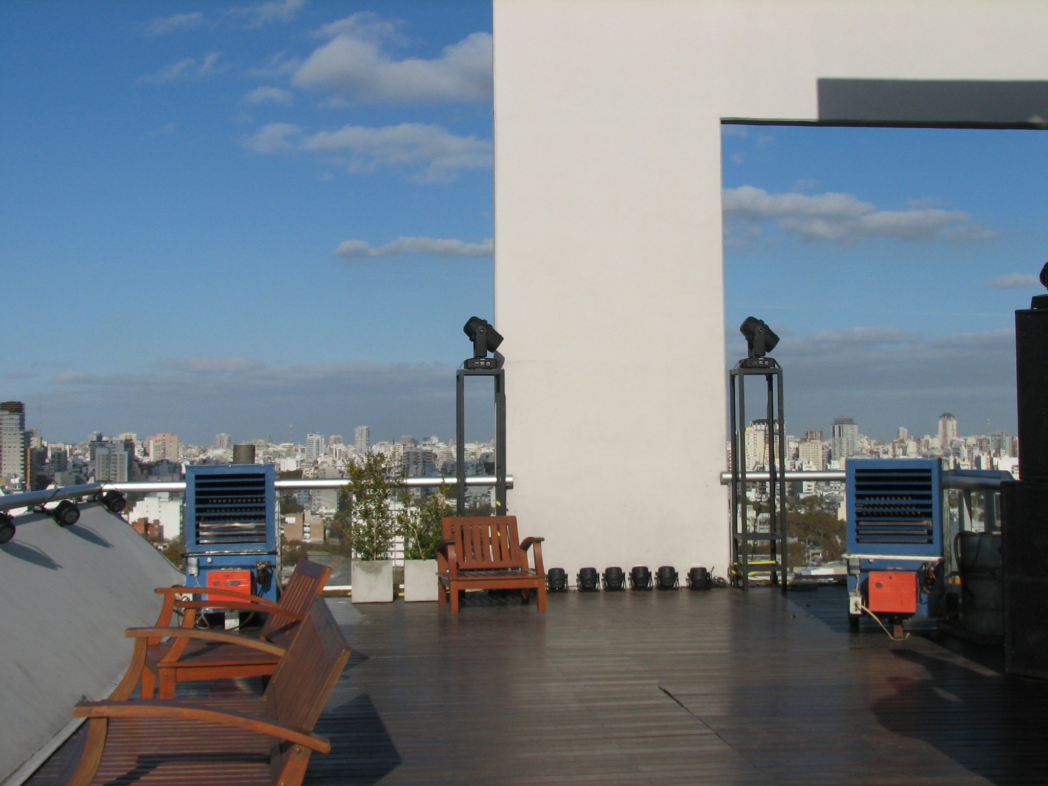 Hotel Hollywood Suites and Lofts- Calefacción terraza piso 21.